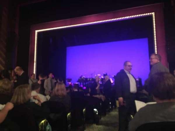 Lunt-Fontanne Theatre, secção: Orchestra R, fila: N, lugar: 2