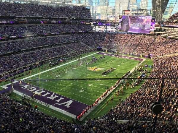 U.S. Bank Stadium, secção: 321, fila: 1, lugar: 8