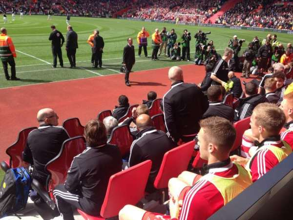 St Mary's Stadium, secção: 7, fila: L