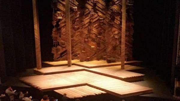 Bernard B. Jacobs Theatre, secção: Mezzanine C, fila: A, lugar: 101