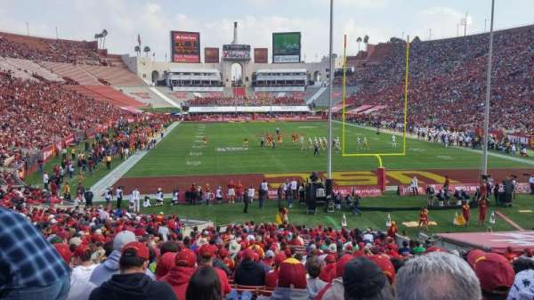 Los Angeles Memorial Coliseum, secção: 115, fila: 30, lugar: 13