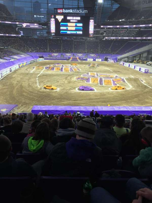 U.S. Bank Stadium, secção: 120, fila: 39, lugar: 3