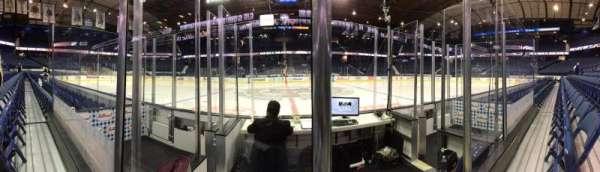Allstate Arena, secção: 103, fila: DD, lugar: 1