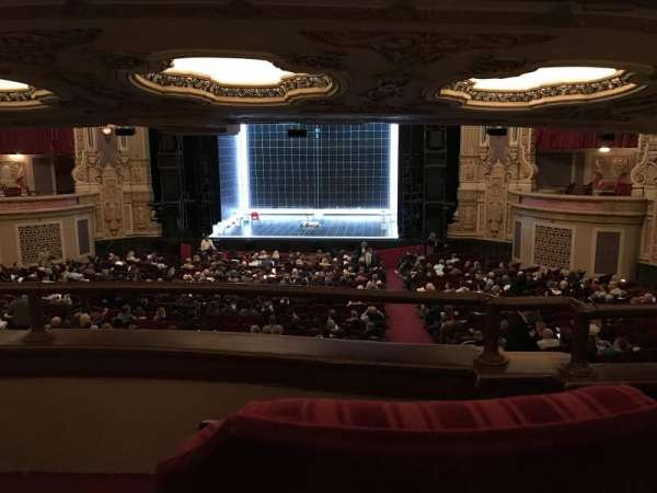 Nederlander Theatre (Chicago), secção: Dress Circle RC, fila: B, lugar: 220