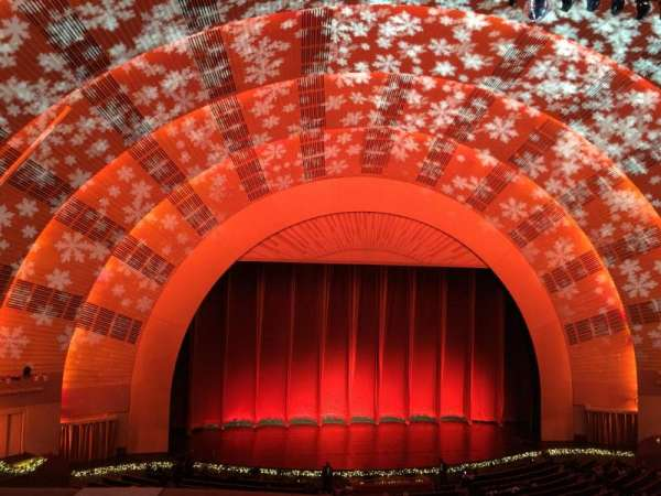 Radio City Music Hall, secção: 2nd Mezzanine 5, fila: A, lugar: 510
