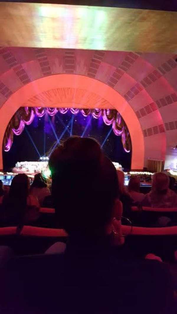 Radio City Music Hall, secção: 2nd Mezzanine 4, fila: H, lugar: 408