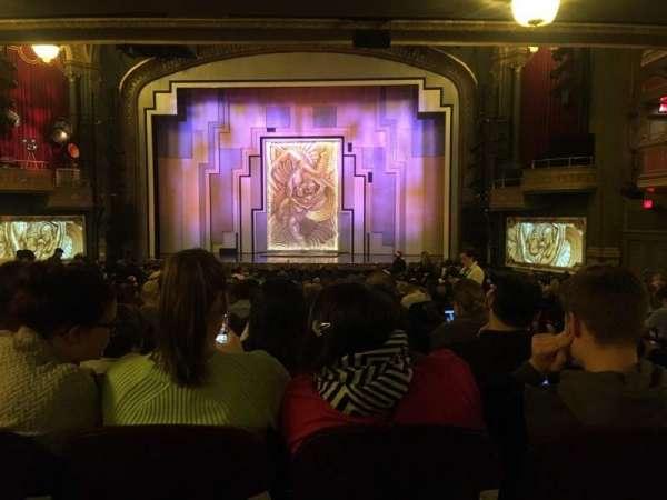Lyric Theatre, secção: Orch, fila: YY, lugar: 117