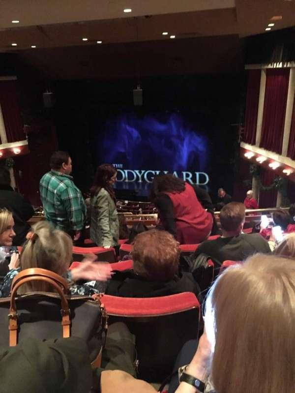 Paper Mill Playhouse, secção: Mezzanine, fila: HH, lugar: 14