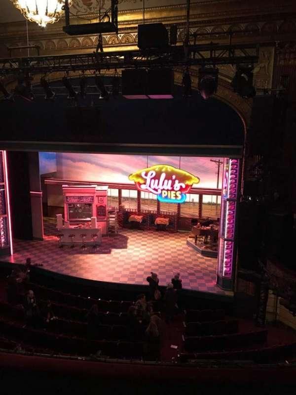 Brooks Atkinson Theatre, secção: Rear mezzanine rc, fila: K, lugar: 109