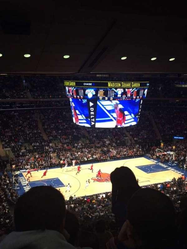 Madison Square Garden, secção: 209, fila: 14, lugar: 11-14