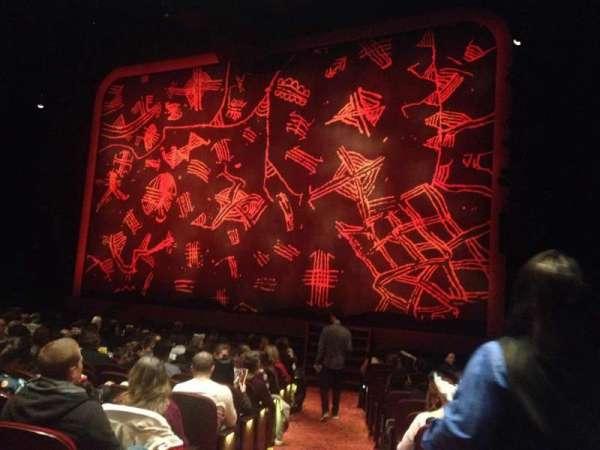 Minskoff Theatre, secção: Orchestra R, fila: O, lugar: 2