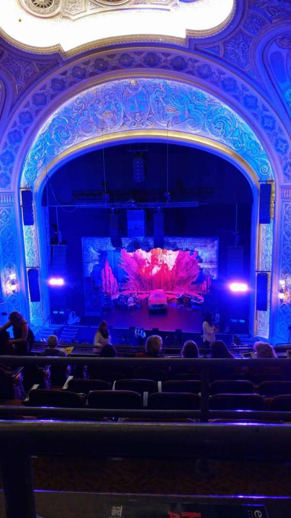 Paramount Theatre (Seattle), secção: Mezzanine 22, fila: J, lugar: 3