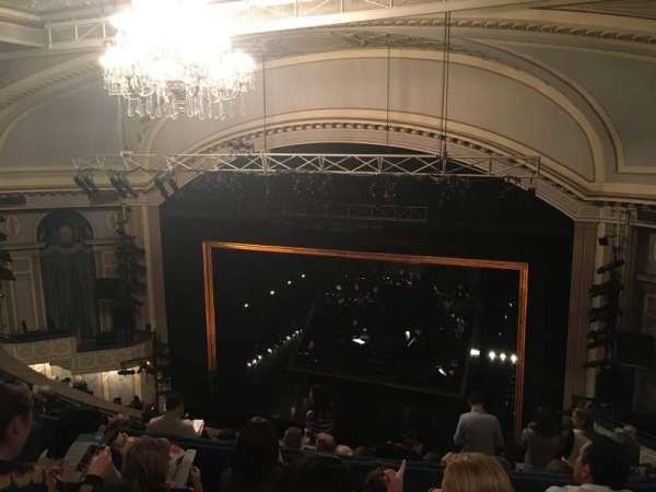 Ambassador Theatre, secção: Rear Mezzanine R, fila: D, lugar: 8