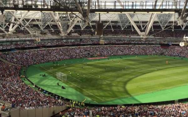 London Stadium, secção: 229, fila: 63, lugar: 664