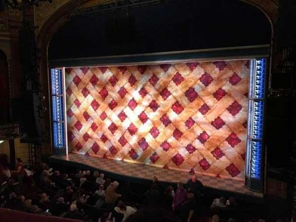 Brooks Atkinson Theatre, secção: Front Mezzanine R, fila: B, lugar: 8