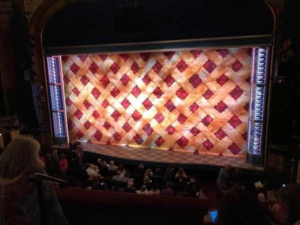 Brooks Atkinson Theatre, secção: Front Mezzanine R, fila: C, lugar: 2