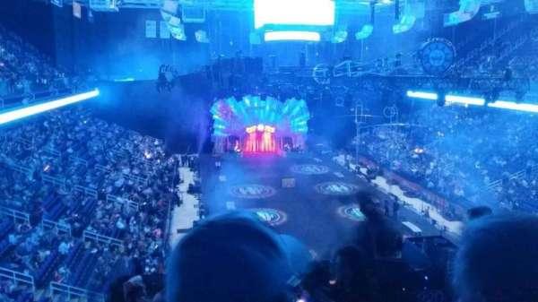 Greensboro Coliseum, secção: 220, fila: g, lugar: 1