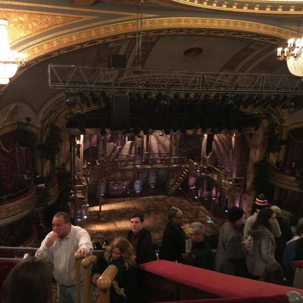 Richard Rodgers Theatre, secção: Rear Mezzanine L, fila: E, lugar: 13