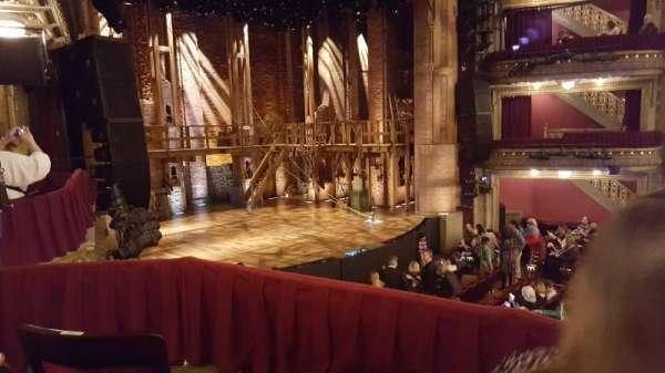 CIBC Theatre, secção: Dress Circle Box 1, fila: B, lugar: 211