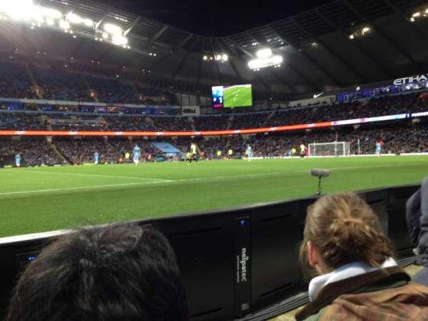 Etihad Stadium (Manchester), secção: Block 106, fila: 2, lugar: 123