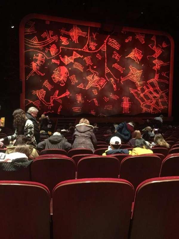 Minskoff Theatre, secção: Orchestra C, fila: R, lugar: 102
