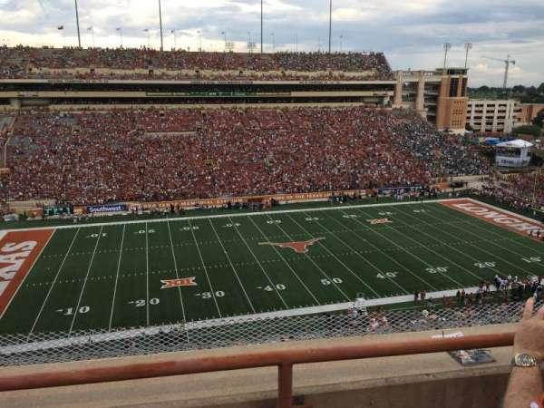 Texas Memorial Stadium, secção: 107, fila: 2, lugar: 5