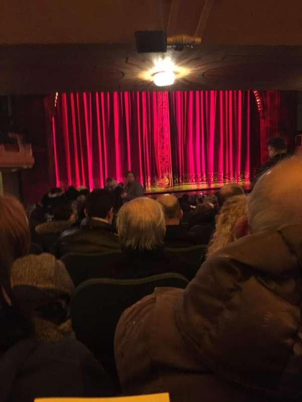 Shubert Theatre, secção: Orchestra L, fila: S, lugar: 9