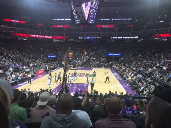 Golden 1 Center, secção: 126, fila: F, lugar: 19