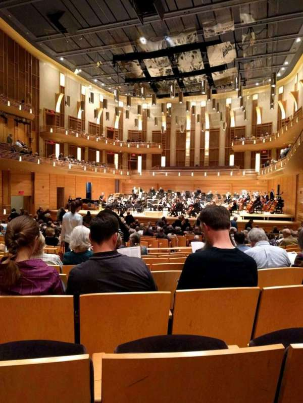 The Music Center at Strathmore, secção: Orchestra Tier, fila: HH, lugar: 10