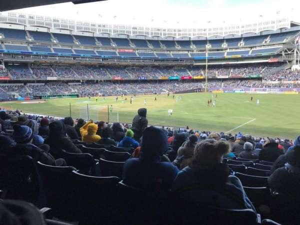 Yankee Stadium, secção: 110, fila: 27, lugar: 1