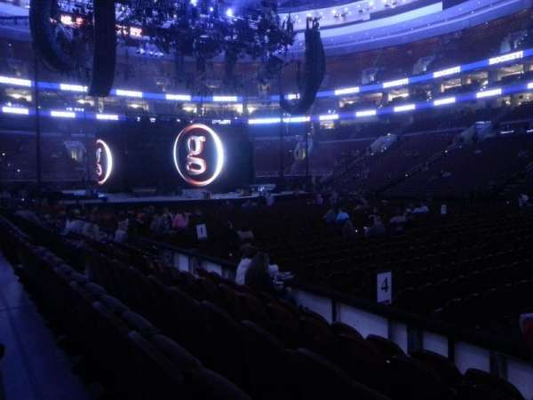 Wells Fargo Center, secção: 102, fila: 5, lugar: 13