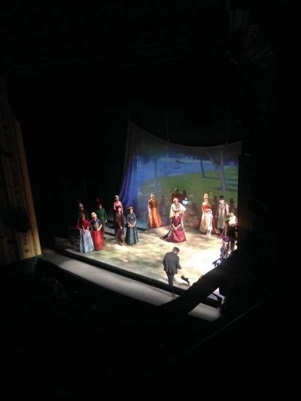 Hudson Theatre, secção: Balcony R, fila: A, lugar: 20