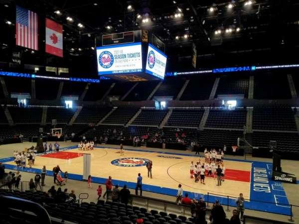 Nassau Veterans Memorial Coliseum, secção: 101, fila: 6, lugar: 14