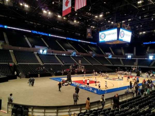 Nassau Veterans Memorial Coliseum, secção: 107, fila: 3, lugar: 3
