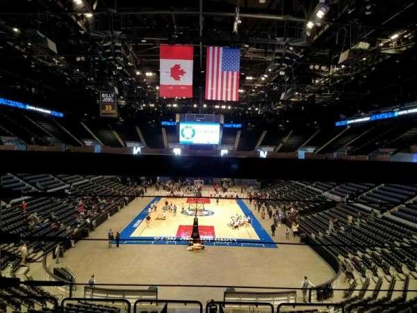 Nassau Veterans Memorial Coliseum, secção: 213, fila: 1, lugar: 6