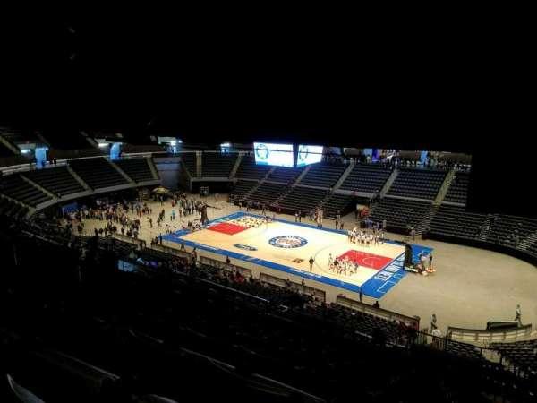 Nassau Veterans Memorial Coliseum, secção: 220, fila: 16, lugar: 1