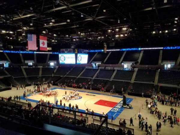 Nassau Veterans Memorial Coliseum, secção: 240, fila: 5, lugar: 6