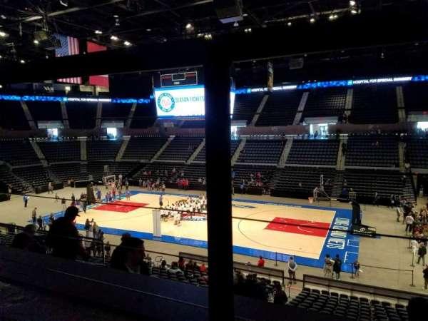 Nassau Veterans Memorial Coliseum, secção: 201, fila: 1, lugar: 9