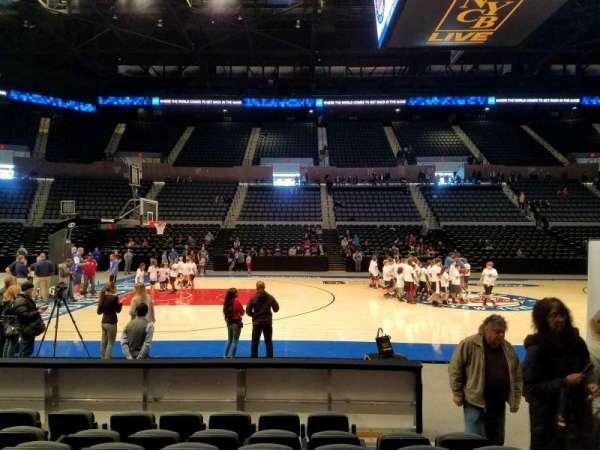 Nassau Veterans Memorial Coliseum, secção: 4, fila: 7, lugar: 3