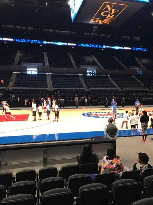 Nassau Veterans Memorial Coliseum, secção: 4, fila: 5, lugar: 5