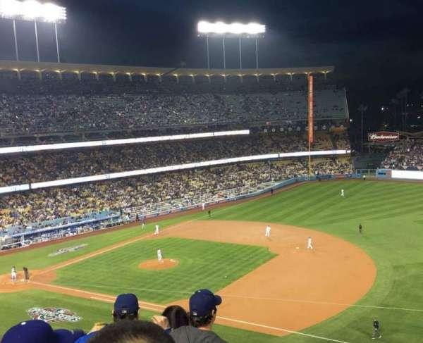 Dodger Stadium, secção: 28RS, fila: E, lugar: 18