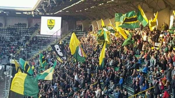 Cars Jeans Stadion, secção: midden Noord