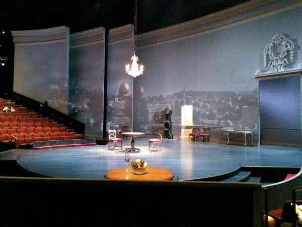 Vivian Beaumont Theater, secção: orchestra rc, fila: M, lugar: 409