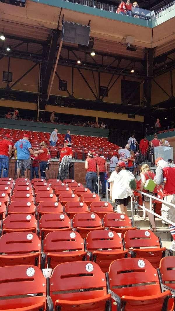 Busch Stadium, secção: 167, fila: 9, lugar: 7