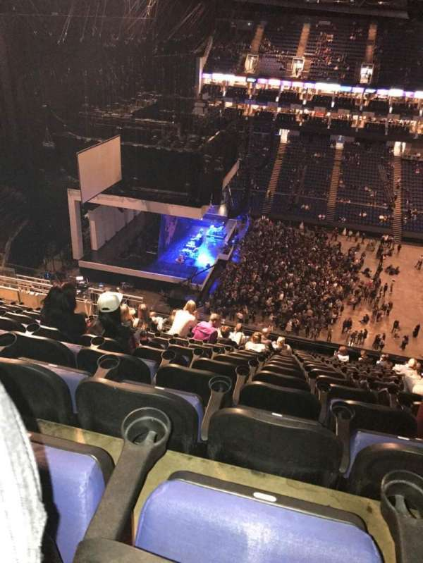 The O2 Arena, secção: 403, fila: R, lugar: 500
