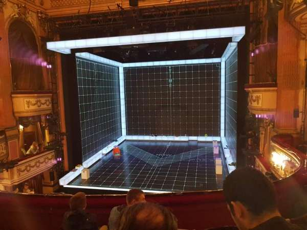 Gielgud Theatre, secção: Dress Circle, fila: D, lugar: 11