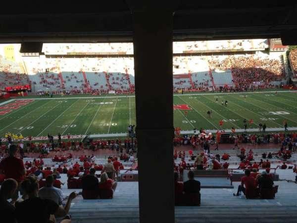 Memorial Stadium (Lincoln), secção: 27, fila: 43, lugar: 16-17-18