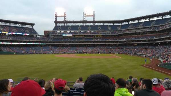 Citizens Bank Park, secção: 142, fila: 9, lugar: 14