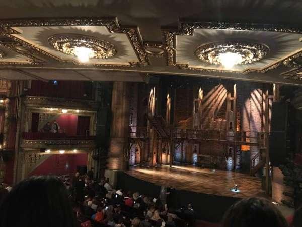CIBC Theatre, secção: Dress Circle R, fila: B, lugar: 4