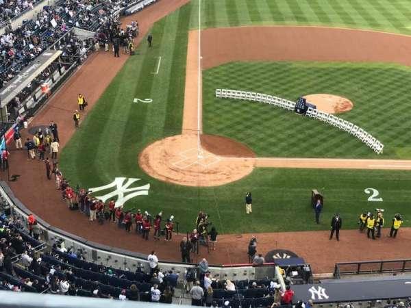 Yankee Stadium, secção: 318, fila: 1, lugar: 1